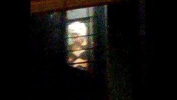 mi vecina en su ventana