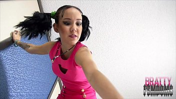 amai luvs crushing tinies giantess damsel.