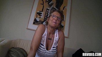 german mature wench stroking