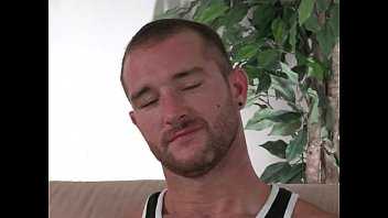 unshaved muscled str8 boy gay4pay instructing