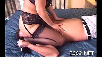girls like bootie slurping action