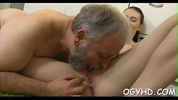 impatient elderly twunk slurps youthfull honeypot