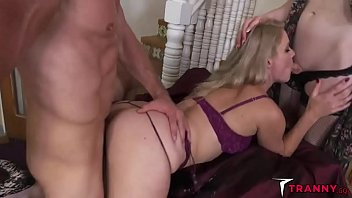menage a t-girl - lisey edible pierce paris.