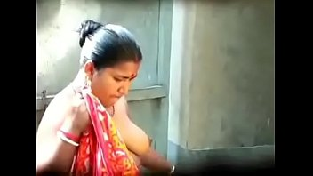 indian bhabi torrid hooters caught by.