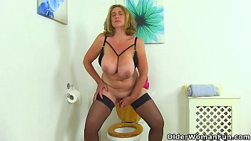 meaty jugged cougar camilla from the uk gets.