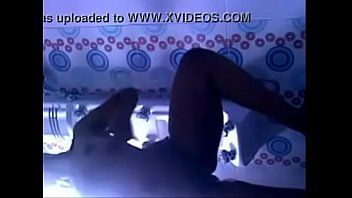 indian-glorious-teenie-in-douche-leaked-mms-flick